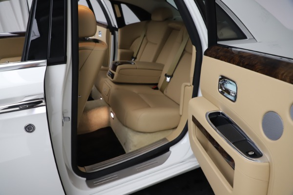 Used 2015 Rolls-Royce Ghost for sale $166,900 at Maserati of Westport in Westport CT 06880 22