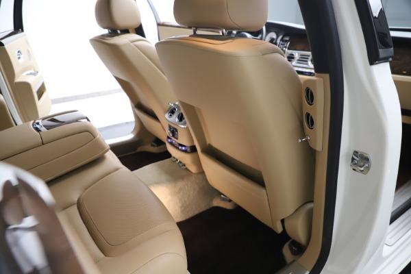Used 2015 Rolls-Royce Ghost for sale $166,900 at Maserati of Westport in Westport CT 06880 25