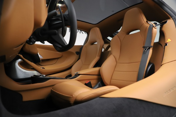 New 2020 McLaren GT Coupe for sale $245,975 at Maserati of Westport in Westport CT 06880 18