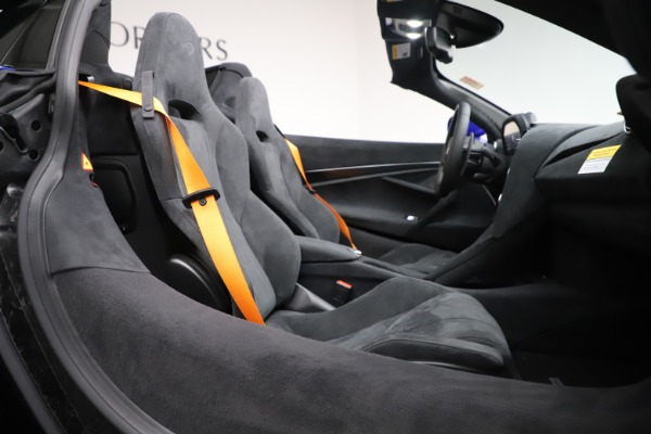 New 2020 McLaren 720S Spider Convertible for sale $364,090 at Maserati of Westport in Westport CT 06880 26