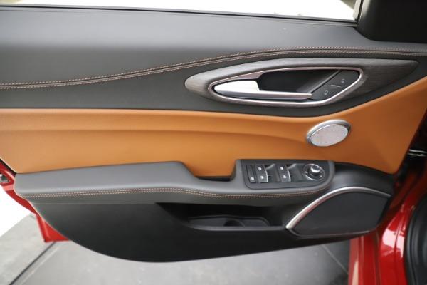 New 2019 Alfa Romeo Giulia Ti Lusso Q4 for sale Sold at Maserati of Westport in Westport CT 06880 17