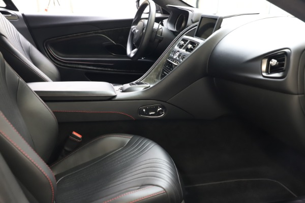 Used 2017 Aston Martin DB11 V12 for sale $141,900 at Maserati of Westport in Westport CT 06880 18