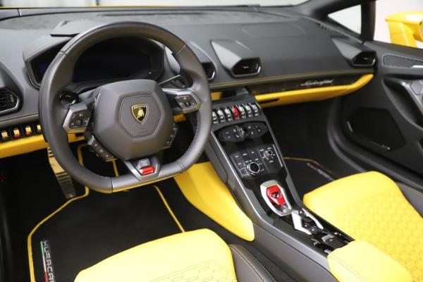 Used 2018 Lamborghini Huracan LP 580-2 Spyder for sale $203,900 at Maserati of Westport in Westport CT 06880 17