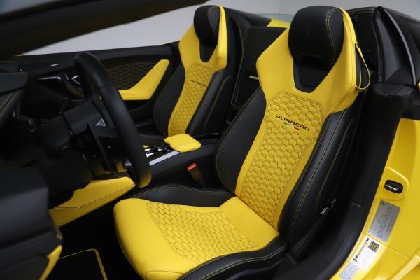 Used 2018 Lamborghini Huracan LP 580-2 Spyder for sale $203,900 at Maserati of Westport in Westport CT 06880 19