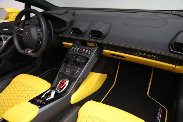 Used 2018 Lamborghini Huracan LP 580-2 Spyder for sale $203,900 at Maserati of Westport in Westport CT 06880 22
