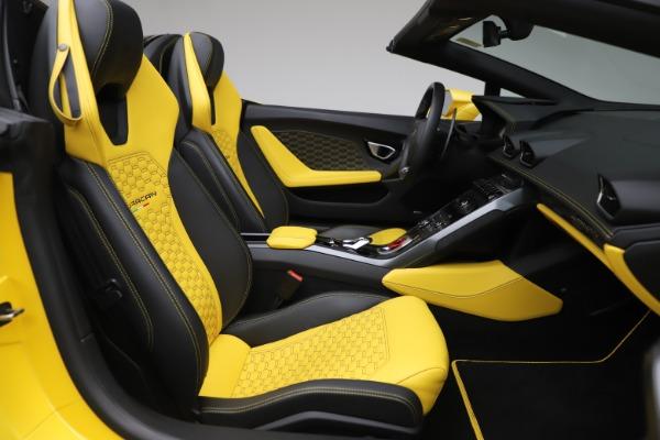 Used 2018 Lamborghini Huracan LP 580-2 Spyder for sale $203,900 at Maserati of Westport in Westport CT 06880 23