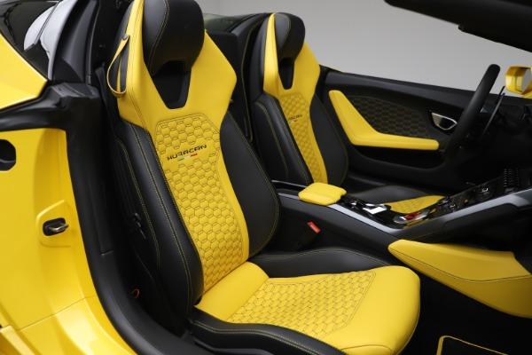 Used 2018 Lamborghini Huracan LP 580-2 Spyder for sale $203,900 at Maserati of Westport in Westport CT 06880 24