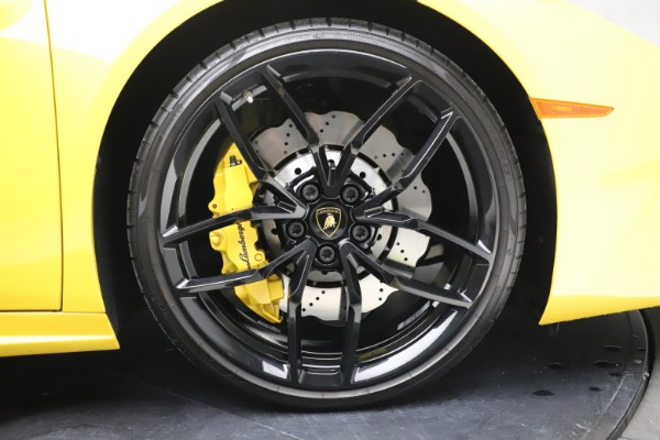 Used 2018 Lamborghini Huracan LP 580-2 Spyder for sale $203,900 at Maserati of Westport in Westport CT 06880 28