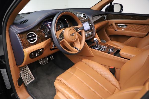 Used 2017 Bentley Bentayga W12 for sale $144,900 at Maserati of Westport in Westport CT 06880 18