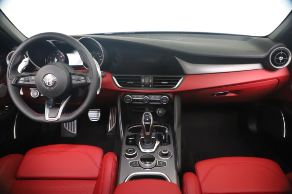New 2020 Alfa Romeo Giulia Ti Sport Q4 for sale $56,440 at Maserati of Westport in Westport CT 06880 16