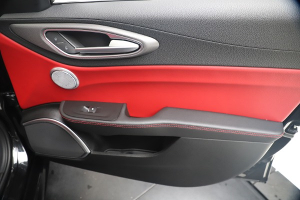New 2020 Alfa Romeo Giulia Ti Sport Q4 for sale $56,440 at Maserati of Westport in Westport CT 06880 25