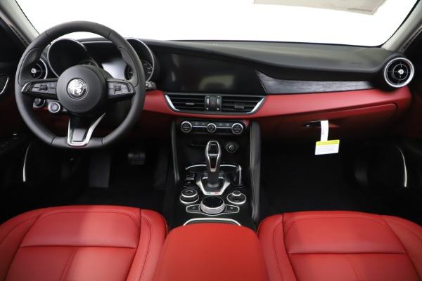 New 2020 Alfa Romeo Giulia Q4 for sale $45,740 at Maserati of Westport in Westport CT 06880 16