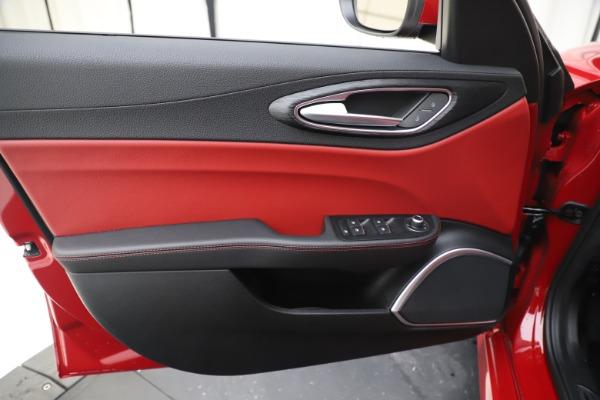 New 2020 Alfa Romeo Giulia Q4 for sale $45,740 at Maserati of Westport in Westport CT 06880 17