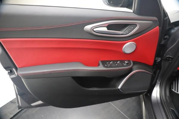 New 2020 Alfa Romeo Giulia Ti Sport Q4 for sale $53,790 at Maserati of Westport in Westport CT 06880 17