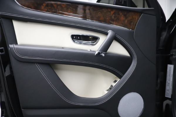 Used 2018 Bentley Bentayga Activity Edition for sale Sold at Maserati of Westport in Westport CT 06880 16
