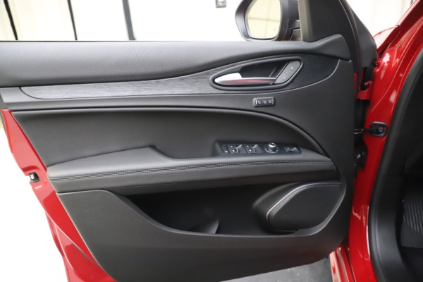 New 2020 Alfa Romeo Stelvio Sport Q4 for sale Sold at Maserati of Westport in Westport CT 06880 17