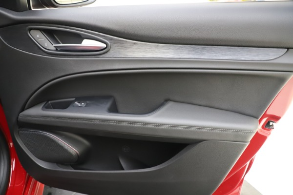 New 2020 Alfa Romeo Stelvio Sport Q4 for sale Sold at Maserati of Westport in Westport CT 06880 25