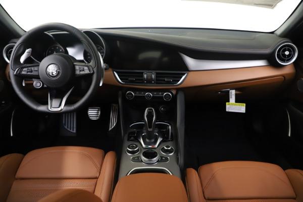 New 2020 Alfa Romeo Giulia Ti Sport Q4 for sale $53,190 at Maserati of Westport in Westport CT 06880 16