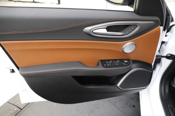 New 2020 Alfa Romeo Giulia Ti Sport Q4 for sale $53,190 at Maserati of Westport in Westport CT 06880 17