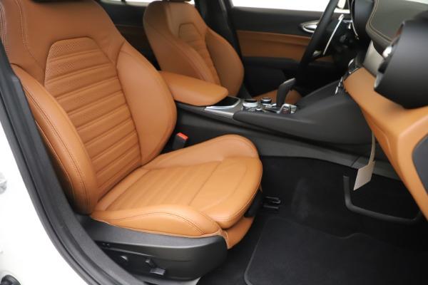 New 2020 Alfa Romeo Giulia Ti Sport Q4 for sale $53,190 at Maserati of Westport in Westport CT 06880 24