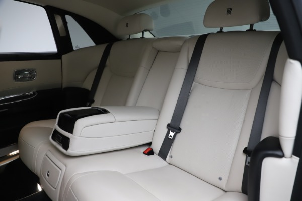 Used 2016 Rolls-Royce Ghost for sale $175,900 at Maserati of Westport in Westport CT 06880 15