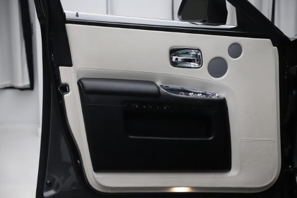 Used 2016 Rolls-Royce Ghost for sale $175,900 at Maserati of Westport in Westport CT 06880 24