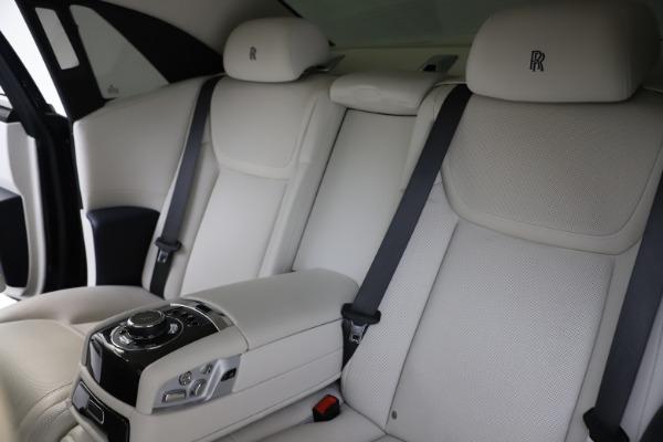 Used 2015 Rolls-Royce Ghost for sale $157,900 at Maserati of Westport in Westport CT 06880 17