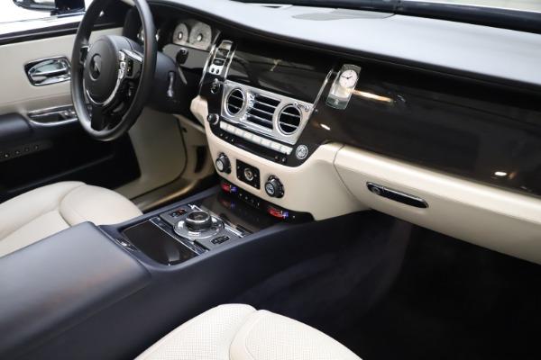 Used 2015 Rolls-Royce Ghost for sale $157,900 at Maserati of Westport in Westport CT 06880 20