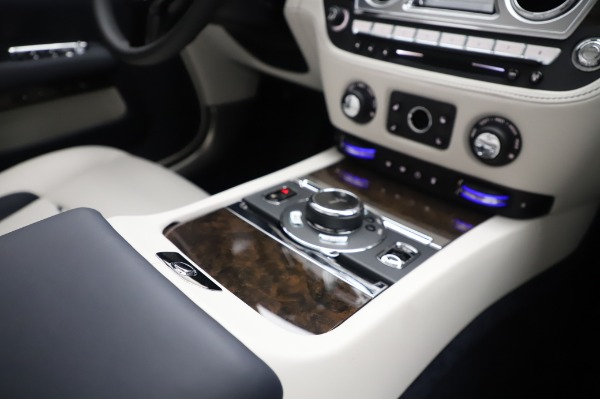 New 2020 Rolls-Royce Dawn for sale $384,875 at Maserati of Westport in Westport CT 06880 25