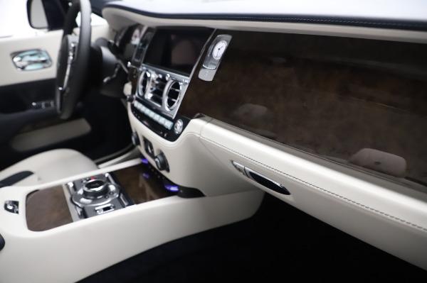 New 2020 Rolls-Royce Dawn for sale $384,875 at Maserati of Westport in Westport CT 06880 26