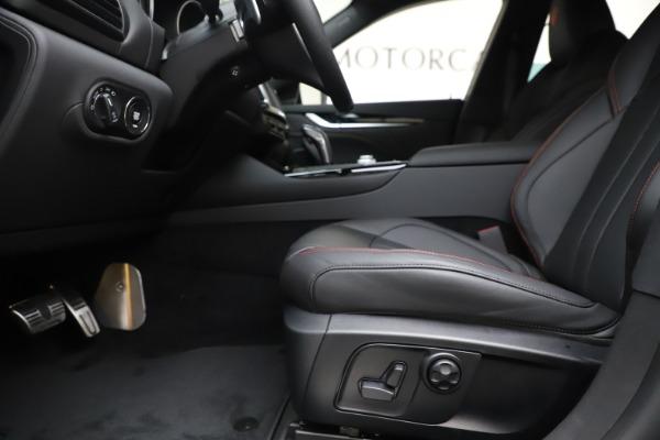 New 2020 Maserati Levante Q4 GranSport for sale $88,885 at Maserati of Westport in Westport CT 06880 14