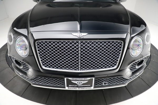 Used 2017 Bentley Bentayga W12 for sale $139,900 at Maserati of Westport in Westport CT 06880 13