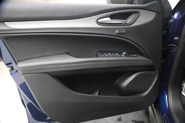 New 2019 Alfa Romeo Stelvio Ti Sport Q4 for sale $53,990 at Maserati of Westport in Westport CT 06880 17