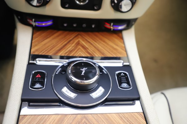 Used 2015 Rolls-Royce Wraith for sale $169,900 at Maserati of Westport in Westport CT 06880 17