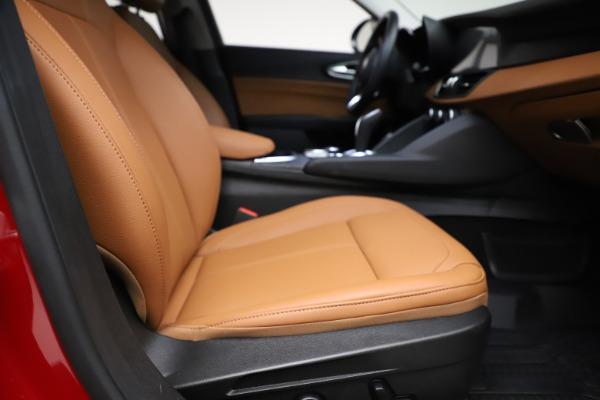 Used 2020 Alfa Romeo Giulia Q4 for sale Sold at Maserati of Westport in Westport CT 06880 19