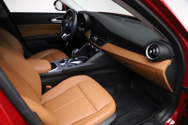 Used 2020 Alfa Romeo Giulia Q4 for sale Sold at Maserati of Westport in Westport CT 06880 20