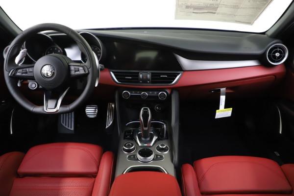 New 2020 Alfa Romeo Giulia Ti Sport Q4 for sale Sold at Maserati of Westport in Westport CT 06880 15