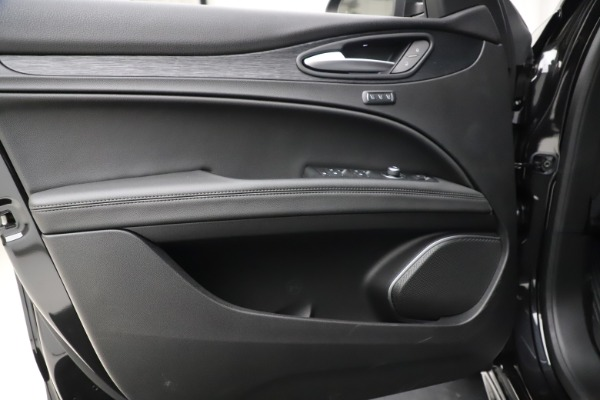 New 2020 Alfa Romeo Stelvio Sport Q4 for sale $50,795 at Maserati of Westport in Westport CT 06880 17