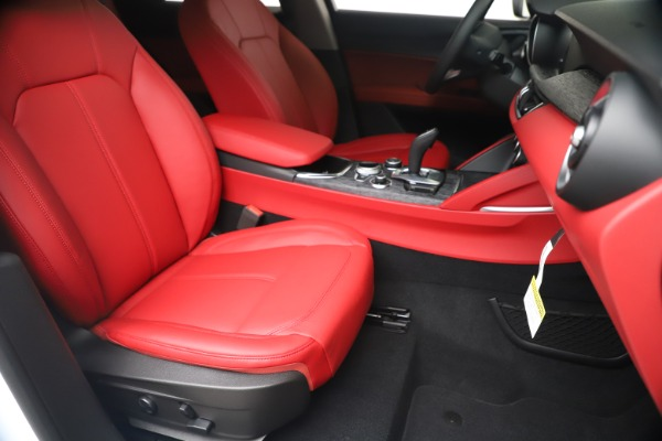 New 2020 Alfa Romeo Stelvio Sport Q4 for sale $50,195 at Maserati of Westport in Westport CT 06880 24