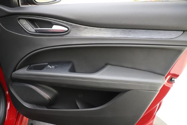 New 2020 Alfa Romeo Stelvio Sport Q4 for sale $50,495 at Maserati of Westport in Westport CT 06880 25