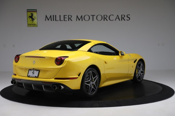 Used 2015 Ferrari California T for sale Sold at Maserati of Westport in Westport CT 06880 16