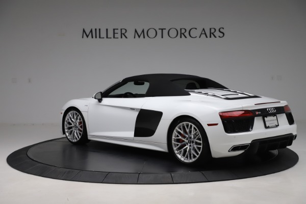Used 2017 Audi R8 5.2 quattro V10 Spyder for sale $138,900 at Maserati of Westport in Westport CT 06880 15
