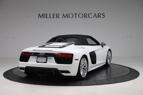 Used 2017 Audi R8 5.2 quattro V10 Spyder for sale $138,900 at Maserati of Westport in Westport CT 06880 16