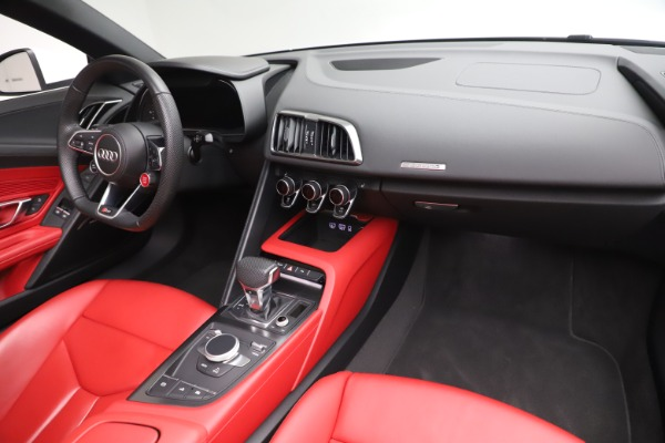 Used 2017 Audi R8 5.2 quattro V10 Spyder for sale Sold at Maserati of Westport in Westport CT 06880 23