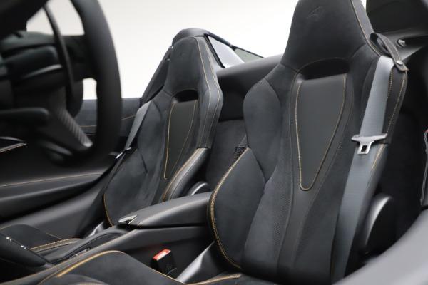 New 2020 McLaren 720S Spider Performance for sale $384,930 at Maserati of Westport in Westport CT 06880 24