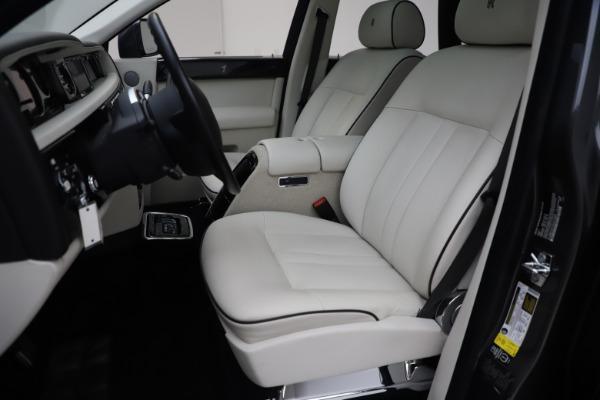 Used 2013 Rolls-Royce Phantom for sale Sold at Maserati of Westport in Westport CT 06880 11
