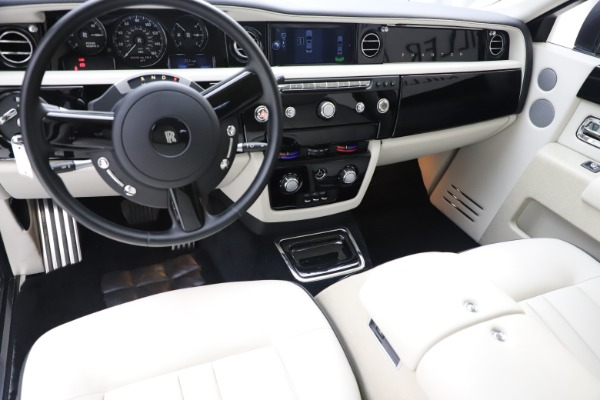 Used 2013 Rolls-Royce Phantom for sale Sold at Maserati of Westport in Westport CT 06880 12