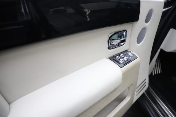 Used 2013 Rolls-Royce Phantom for sale Sold at Maserati of Westport in Westport CT 06880 13