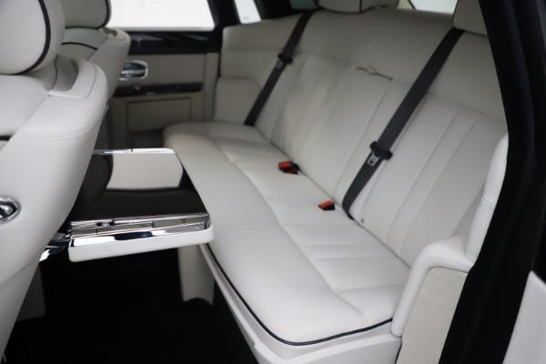 Used 2013 Rolls-Royce Phantom for sale Sold at Maserati of Westport in Westport CT 06880 14