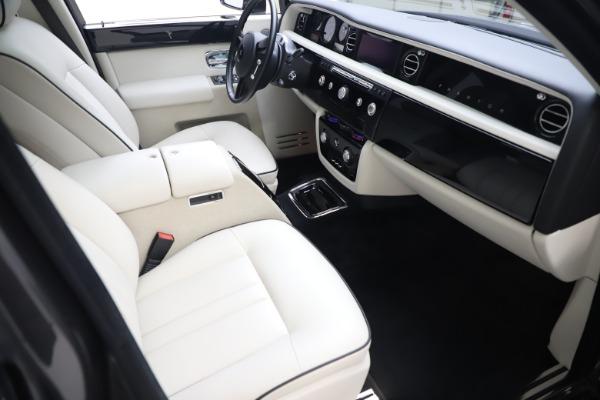 Used 2013 Rolls-Royce Phantom for sale Sold at Maserati of Westport in Westport CT 06880 16